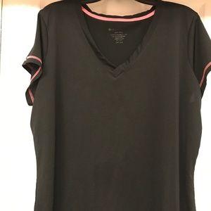 NEW LISTING Women's Black 2X Workout V-Neck Shirt